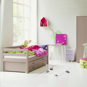chambre enfant lit et armoire