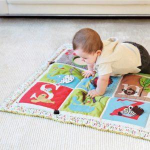 tapis d eveil ALPHABET ZOO BY SKIP HOP abitare kids
