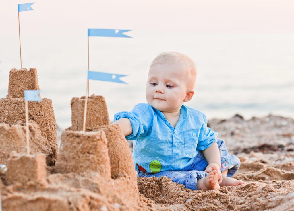 chateau de sable bébé