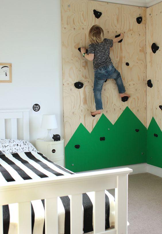 chambre enfant mur escalade